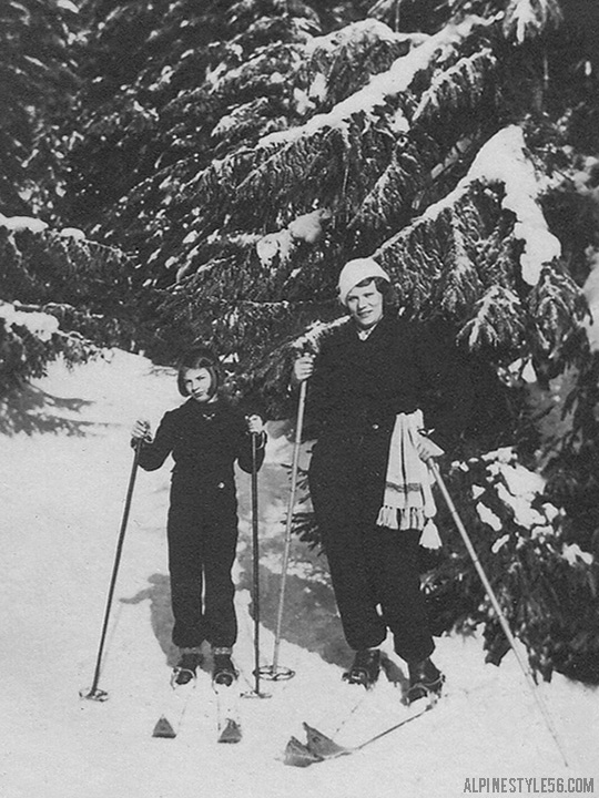 vintage photo mother daughter child ski skiing snow europe black white