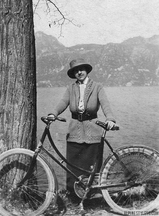 bike vintage style lake bourget france