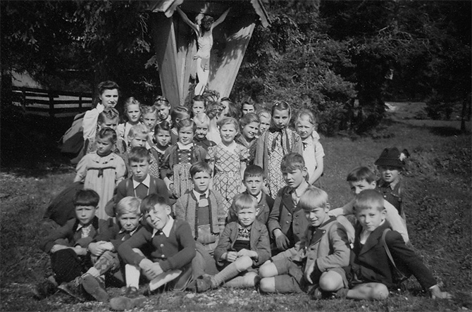 school children tyrol tirol austria tracht vintage photo