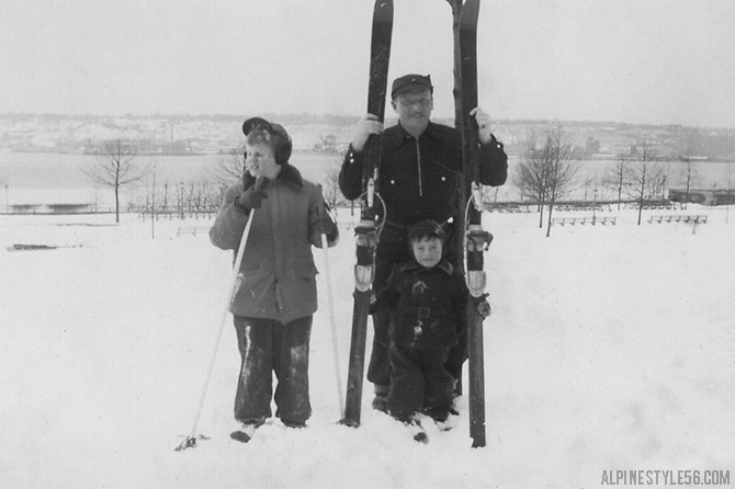 father kids children ski snow vintage photo